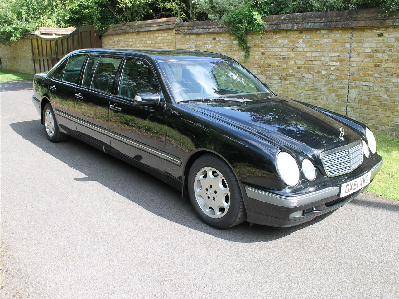 2001 MERCEDES BENZ E280 'Binz' Six Door Limousine