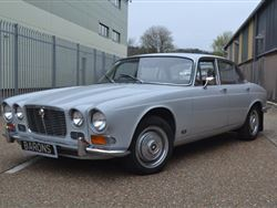 JaguarXJ6 Series1 4.2 Manual 1 - Click to view