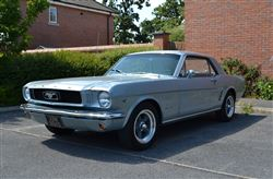 Ford Mustang - Click to view